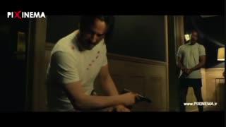 سکانس فیلم جان ویک ، از بین بردن پولها و اسناد موجود در کلیسا