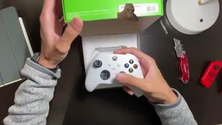 ویدیوی آنباکسینگ غیر رسمی کنترلر Xbox Series X/Xbox Series - بازی مگ